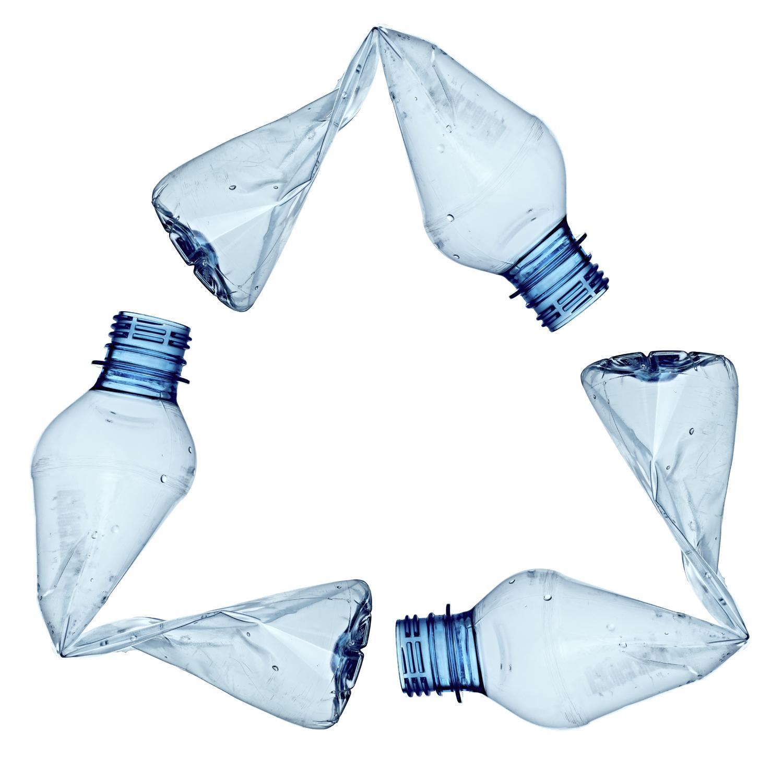 I vantaggi per l'economia e l'ambiente del riciclo della plastica
