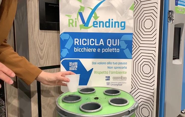 Conferiti oltre 5.000 contenitori RiVending ai gestori italiani
